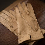 incredible-merola-gloves-2